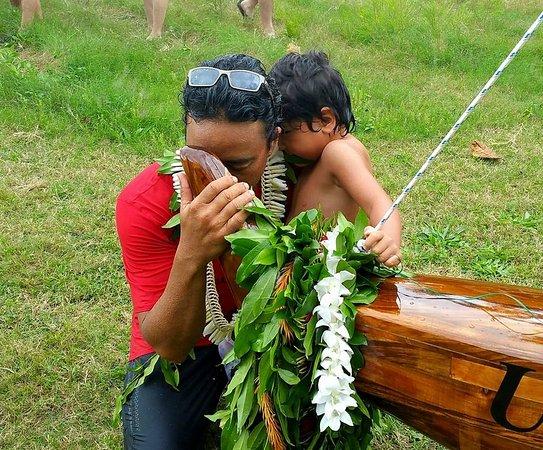 A história do Batismo da Canoa Havaiana ou Polinésia