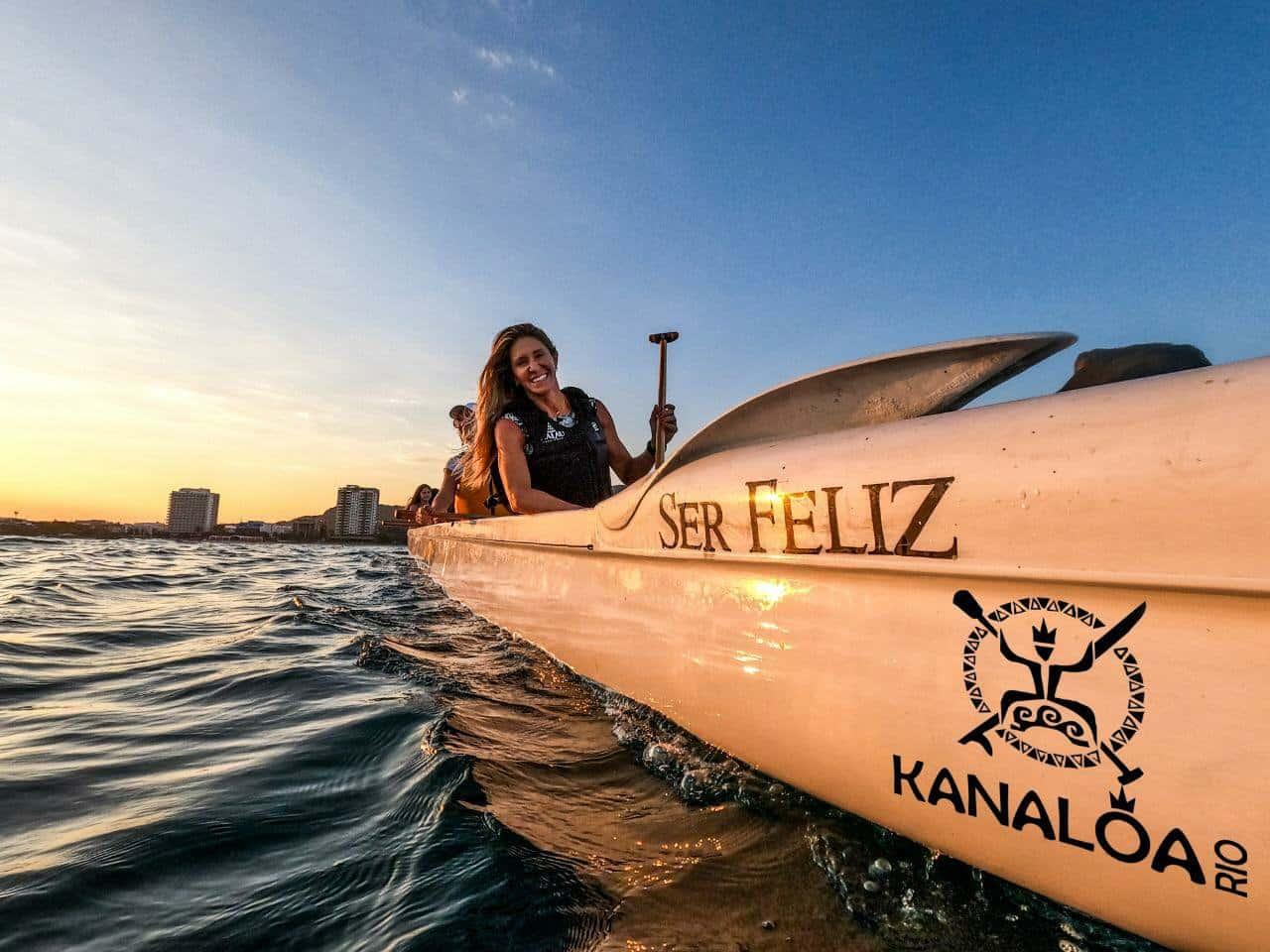 passeio turístico de canoa havaiana
