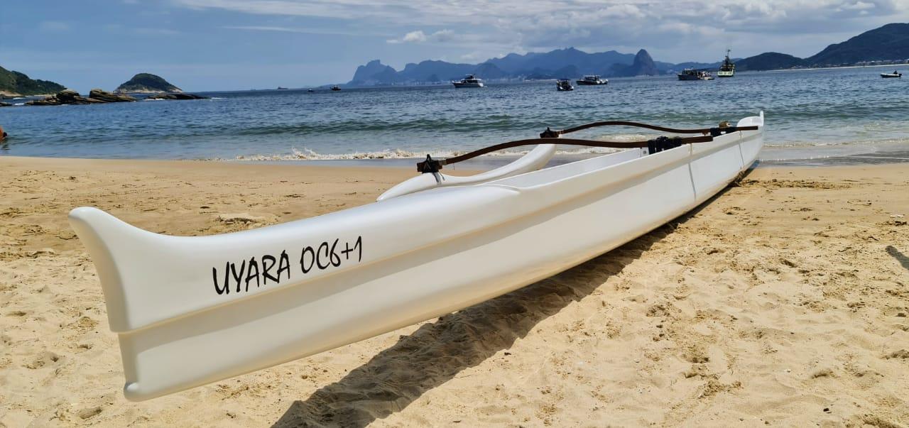 a nova canoa havaiana