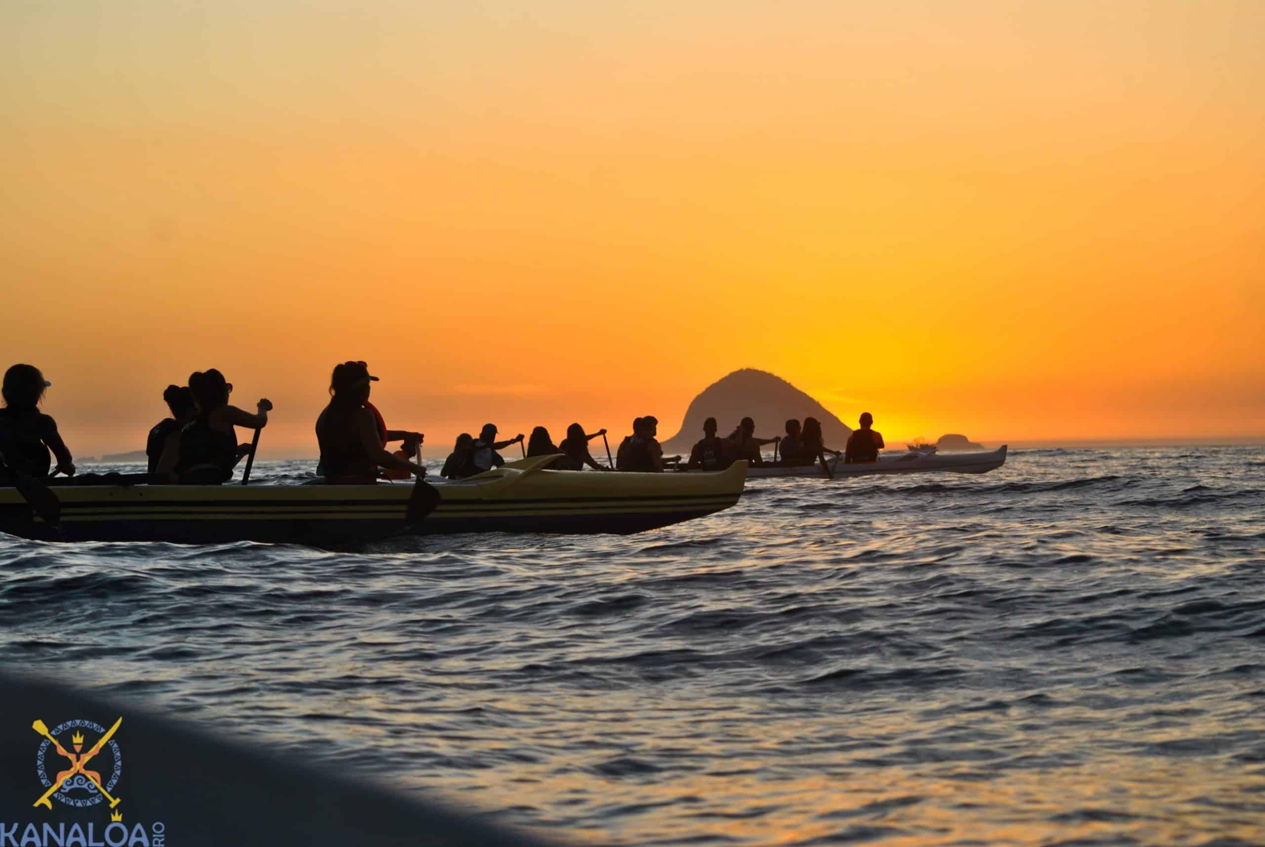 Treinamento Corporativo com Canoa Havaiana