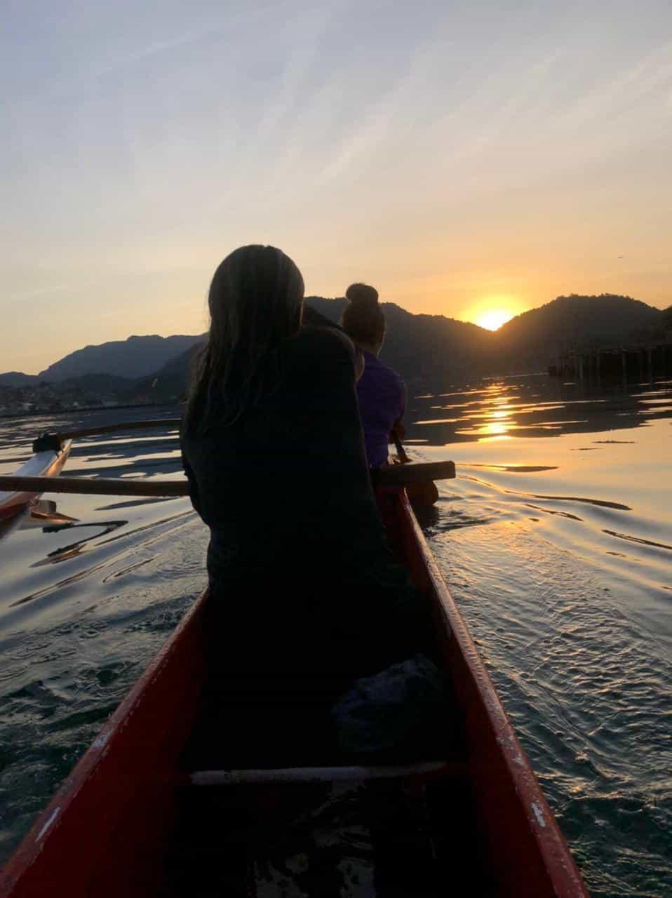 passeio de canoa havaiana angra dos reis