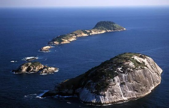 As principais Ilhas para visitar no Rio de canoa havaiana