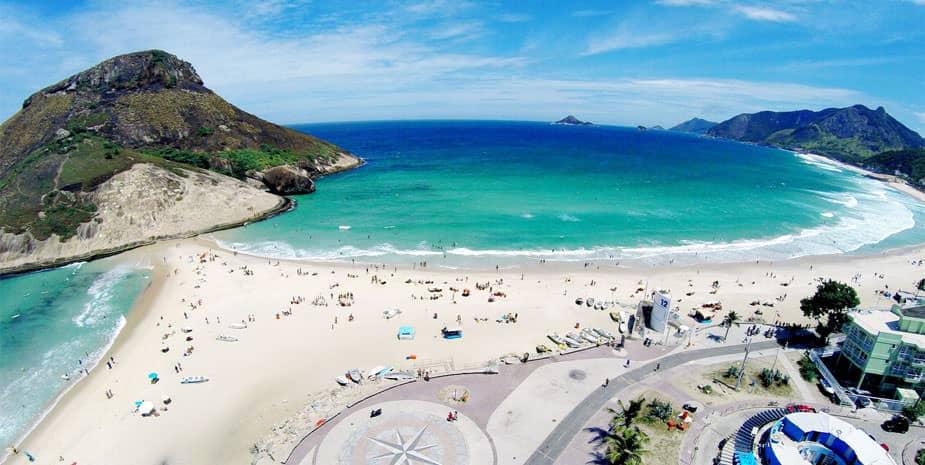 As praias mais bonitas do Rio de Janeiro para visitar ou realizar um passeio de canoa havaiana